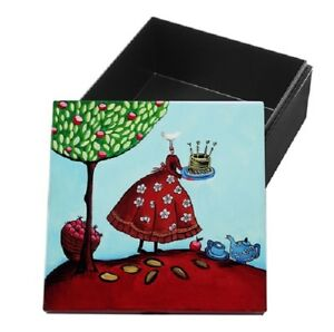 YoiYoi Hand Painted Black Lacquer Box - Celebration
