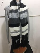 Juicy Couture adorable ladies winter scarf