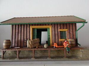 Pola #905 Freight Station