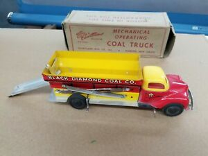 Vintage 1950's Courtland Tin Wind-Up Mechanical Operating Coal Truck NMIB E4
