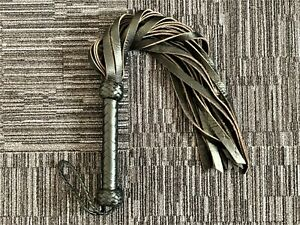 Leather Flogger Hand Stitched Cowhide Leather Whip With 20 Spanking Knots