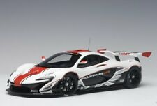 Autoart 81541 - 1/18 mclaren p1 GTR (2015) - gloss White/Red Stripes-nuevo