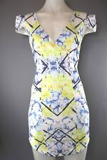 Street Heart size 6 women's fitted body con dress cap sleeves  V neck great cond
