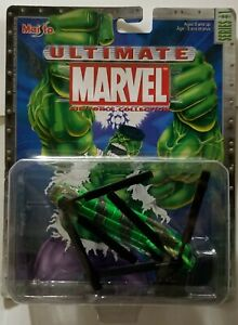 NEW INCREDIBLE HULK CH-47 CHINOOK HELICOPTER DIE CAST METAL MARVEL AIR FORCE 1ST