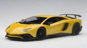 Lamborghini Aventador LP750-4 (New Giallo Orion - Pearl Yellow) 2015