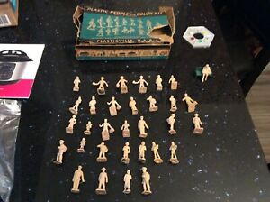 vintage  Plasticville 32 Piece People with Color Kit with original box, used
