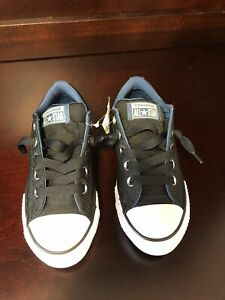 Converse Chuck Taylor All Star Boys Low Top Sneakers Size 1 Black And Blue