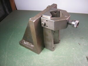 OLD USED VINTAGE MACHINING TOOLS MACHINIST NICE ANGLE BLOCK W/ V-BLOCK CLAMP