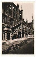 Ansichtskarte Lübeck - Blick auf die Rathaustreppe mit Passanten - schwarz/weiß