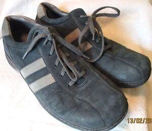 EUC! *SKECHERS*  Men's Heather Gray, Suede Leather, Casual Sneaker Shoe, 12M