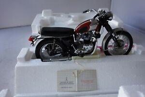 FRANKLIN MINT 1/10 - 1969 TRIUMPH BONNEVILLE MOTORCYCLE - MINT/BOXED - L@@K!!