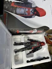 DC Collectibles Batman Arkham Knight Red Capucha estatua en Caja Buen Estado