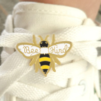 Pin cartoon honey bee pins kind insect  Enamel Brooch Badges bee Jewelry Gift