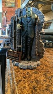 Sideshow Frankenstein Display With Stan Winston Base Universal Monsters