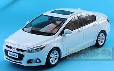 1:18 Chevrolet Cruze White Diecast