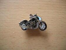 Pin badge suzuki M 1800 r/m1800r NOIR BLACK moto type 1048
