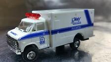 * Trident 90130 Ambulance - Mercy Mdeical Services Paramedic HO 1:87 Scale