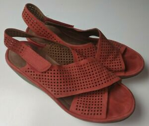 Clarks Artisan Orange-Red Perforated Slingback Wedge Sandals Women's 9.5 M / 41
