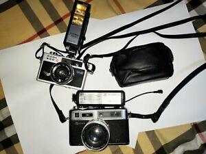 Vintage Ricoh And Yashica Cameras UNTESTED**** Great cond*