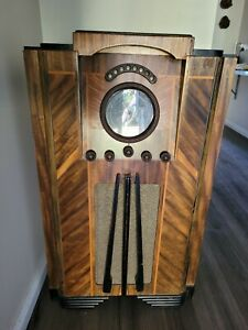 Croyden console valve antique radio.