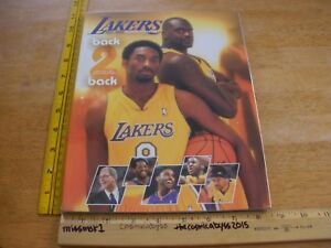 Los Angeles Lakers 200-2001 Team Yearbook Shaquille O'Neal NM Kobe Bryant Fisher