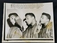Vtg 1958 Boxing Press Photo Floyd Patterson Talking Reporters Roy Harris Fight