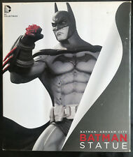 DC COLLECTIBLES BATMAN: ARKHAM CITY BATMAN STATUE w/CREASED BOX