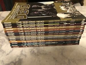 Walking Dead Lot Complete Set 1-14 And More!!!☠️ Graphic Novels Comics & figures