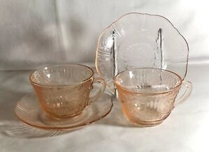 Vintage American Sweetheart glass set of four cups and saucers