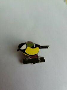 Pin badges. Wildlife. Bird.
