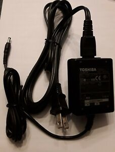 Genuine Toshiba AC Adapter 5V 3A ADP-15HH A, including power cord