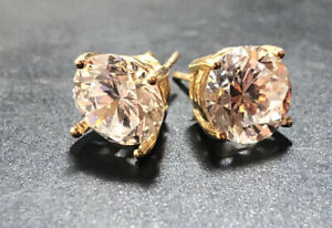 Lovely 14ct Gold CZ Stud Earrings