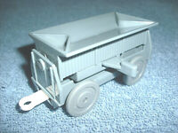 2002 TOMY THOMAS & FRIENDS TRACKMASTER GRAY COALTIPPING CARGO CAR - NICE