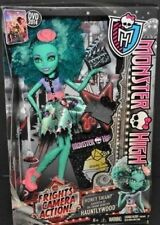 Monster High HAUNTLYWOOD Black Carpet HONEY SWAMP Frights Camera Action Doll NEW