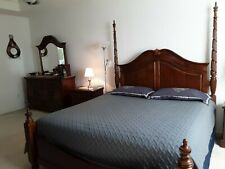 Broyhill 4 Piece Cherry Wood Traditional Bedroom Set. .