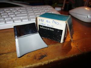 NOS 1968 PASS LH UPPER FRONT MOULDING  CHEVROLET-3928433