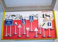 DINKY TOYS ATLAS 12 PANNEAUX DE SIGNALISATION ROUTIERE REF 593 1/43 IN BOX