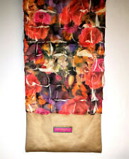 CLOPPIES FLORAL ROSES LADIES SCARF WITH CONCEALED POCKET - NEW