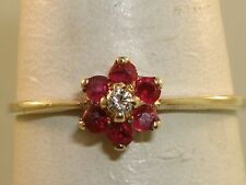 LOVELY VINTAGE 10K SOLID GOLD APPROX. 1/4 CTW RUBY & DIAMOND RING! SZ 6 1/2