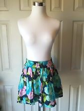NEW Junior/Women Hollister Skirt Size Medium