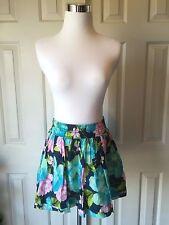NEW Junior/Women Hollister Skirt Size Medium
