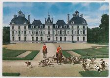 cheverny  , le château , un départ à la chasse