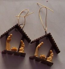 2 VINTAGE HARD PLASTIC NATIVITY SCENE CHRISTMAS ORNAMENTS - MADE IN ITALY