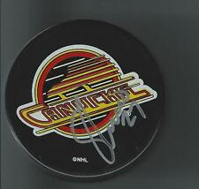 Sergio MOMESSO Signed Vancouver CANUCKS Puck