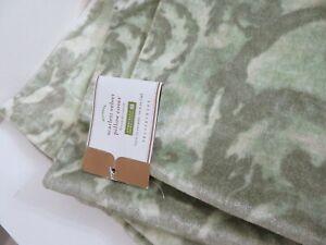 POTTERY BARN GREEN SCARLETT VELVET PILLOW COVER NEW 22 X 22 INCH