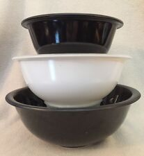 Trio of Vintage Pyrex Corning Black & White Clear Bottom Mixing Nesting Bowls