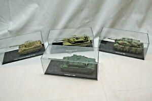4 Modellpanzer in Originalverpackung, unbespielt
