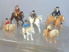 """Vintage Britains Modelo no. """"la familia hacia fuera Equitación"""" Juego de 6 Figuras Diorama"""
