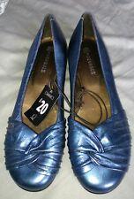 Ladies blue shoes size 6