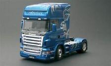 Camions miniatures bleu en plastique